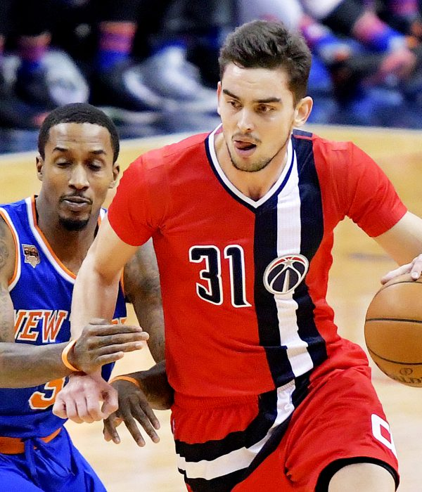 Washington Wizards shooting guard Tomas Satoransky drives past New York Knicks point guard Brandon Jennings in the first quarter of the Wizards' 119-112 win at Verizon Center in northwest D.C. on Thursday, Nov. 17. /Photo by John E. De Freitas