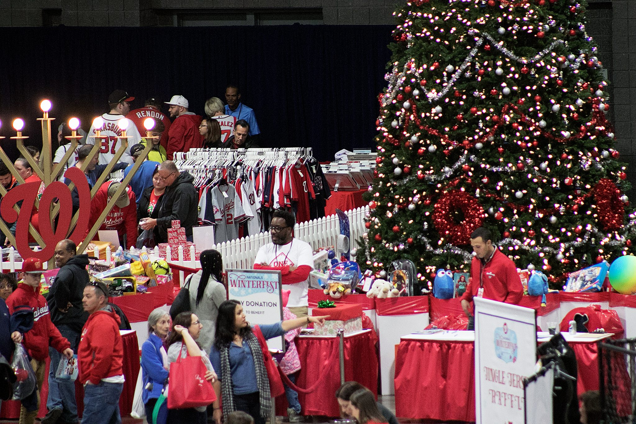 Photo of Nats Fans Donate Thousands of Toys for Underprivileged