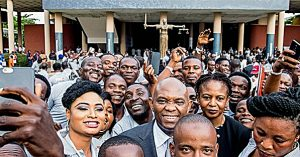 Billionaire Tony Elumelu with other African and African-American entrepreneurs /Courtesy of MCJStaff/communityjournal.net