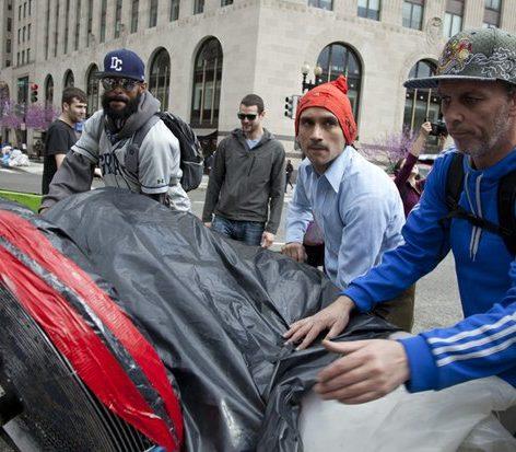 Deflating the giant joint at 15th Street and Pennsylvania Avenue Northwest /Photo by Nancy Shia @nancy_shia