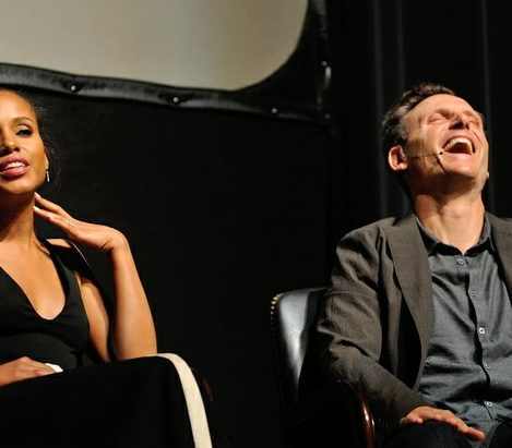 Tony Goldwyn reacts to a comment by Kerry Washington during a panel discussion at the Smithsonian Associates Scandal Event on Thursday April 28, 2016 at the UDC Theater Arts auditorium in northwest. /Photo by Patricia Little @5feet2