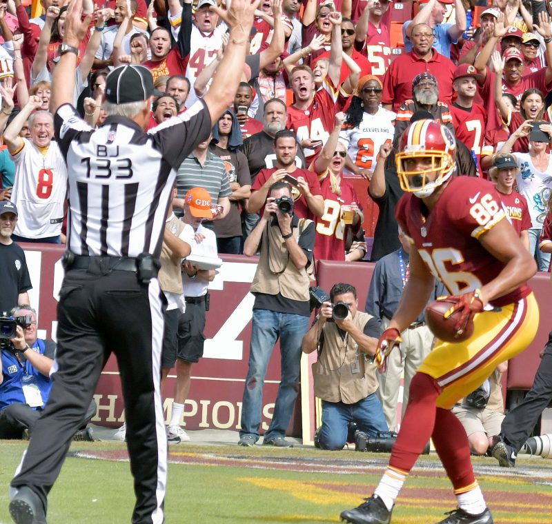 Washington Redskins tight end Jordan Reed scores one of his two first-quarter touchdown receptions during the Redskins' 31-20 win over the Cleveland Browns at FedEx Field in Landover, Maryland, on Sunday, Oct. 2. /Photo by John E. De Freitas
