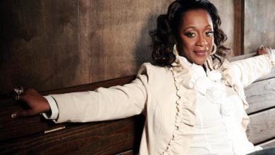 Grammy-winning R&B singer Regina Belle (Courtesy photo)