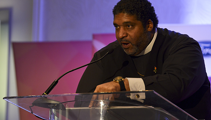 Photo of Rev. William Barber Tells Black Press: 'Bowing Down Is Not an Option'