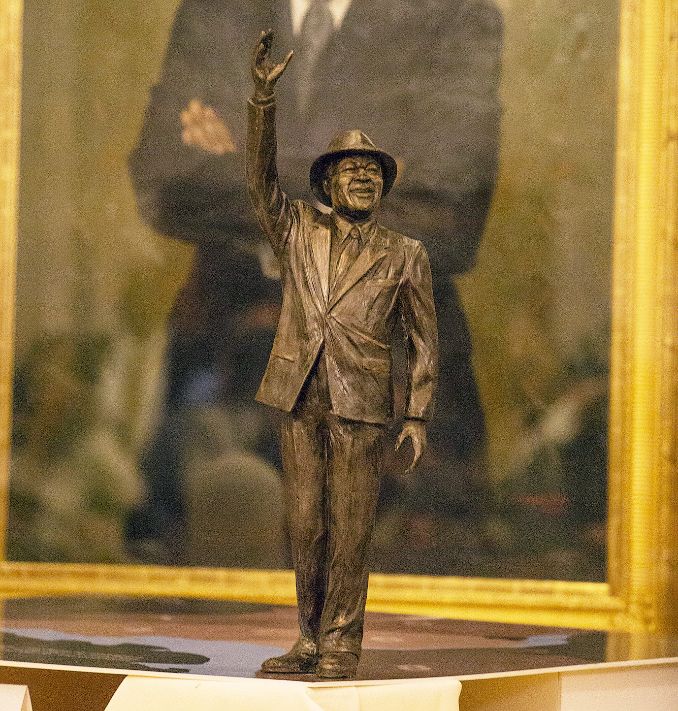 Photo of 'Mayor for Life' Barry to be Memorialized in Bronze