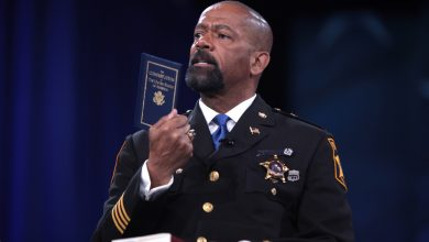 Photo of Sheriff David Clarke Calls for Imprisonment of Sanctuary City Mayors