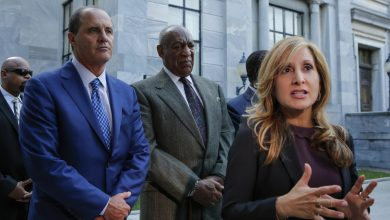Photo of Bill Cosby's Attorney Officially Quits Case
