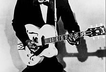 Photo of Rock 'n' Roll Legend Chuck Berry Dies at 90