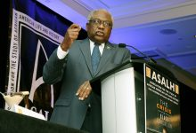 Photo of Clyburn Defends Ulysses Grant, Calls for Removal of Calhoun Statue