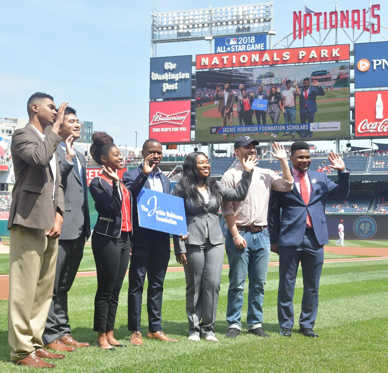 Photo of Nationals Remember Jackie Robinson on 70th Anniversary