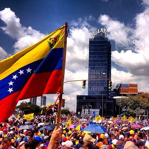 **FILE** Peaceful protestors demonstrate in Caracas, Venezuela. (Diego Urdaneta via Wikimedia Commons)
