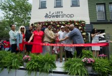 Photo of Lee's Flower & Card Shop Grand Reopening (Photos by Lateef Mangum)