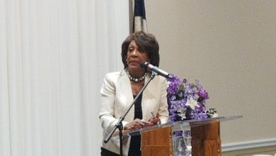 Photo of Rep. Maxine Waters Calls for Reinforcements in Fight to Impeach Trump