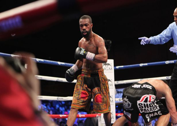 Gary Russell Jr. successfully defends his WBC featherweight title against Oscar Escandon at MGM National Harbor on May 20. (Tom Casino/Showtime)
