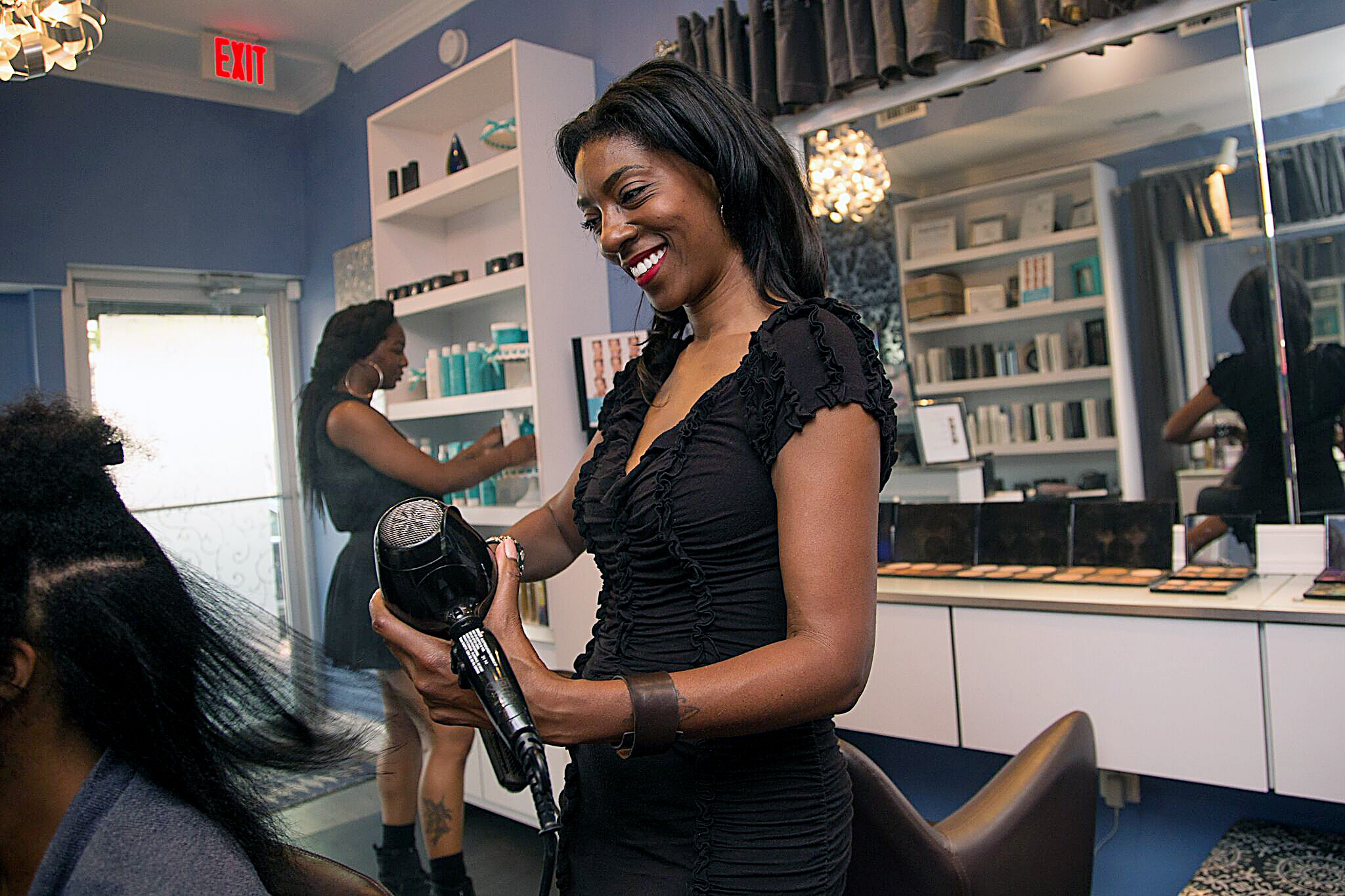 Shun Pittman, hairstylist and owner of Corps d'Elite Salon at 1015 U Street NW in D.C. (Mark Mahoney/The Washington Informer)