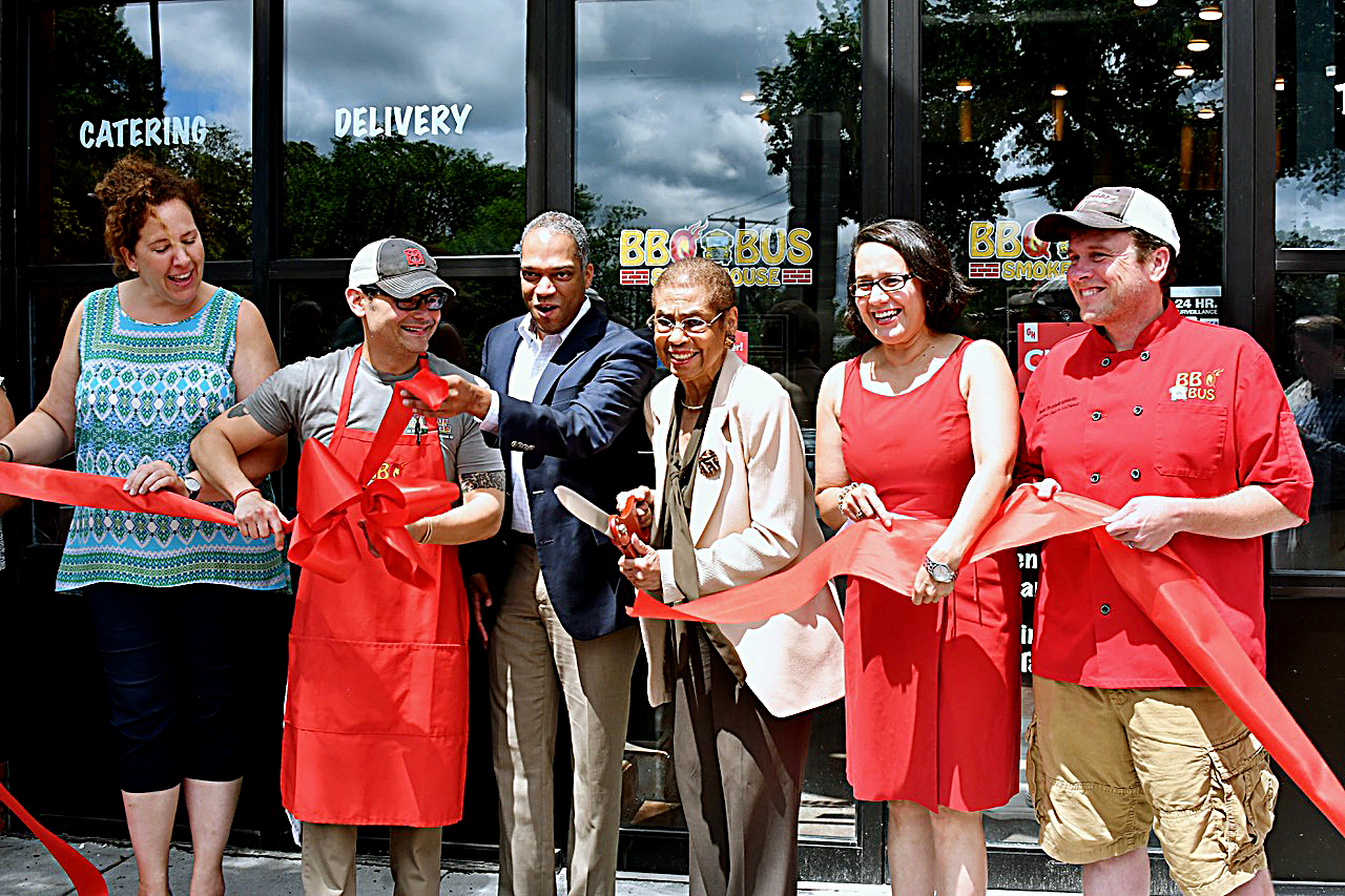 Photo of BBQ Bus Opens First Brick-and-Mortar