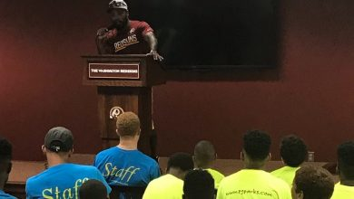 Photo of Santana Moss Schools Youth on Importance of Education