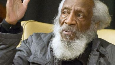 Photo of EDITOR'S COLUMN: I Chose to Focus on Dick Gregory, a Wise Mentor, Not the Eclipse