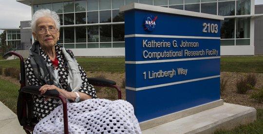 Photo of NASA Honors Katherine Johnson, 'Hidden Figures' Heroine
