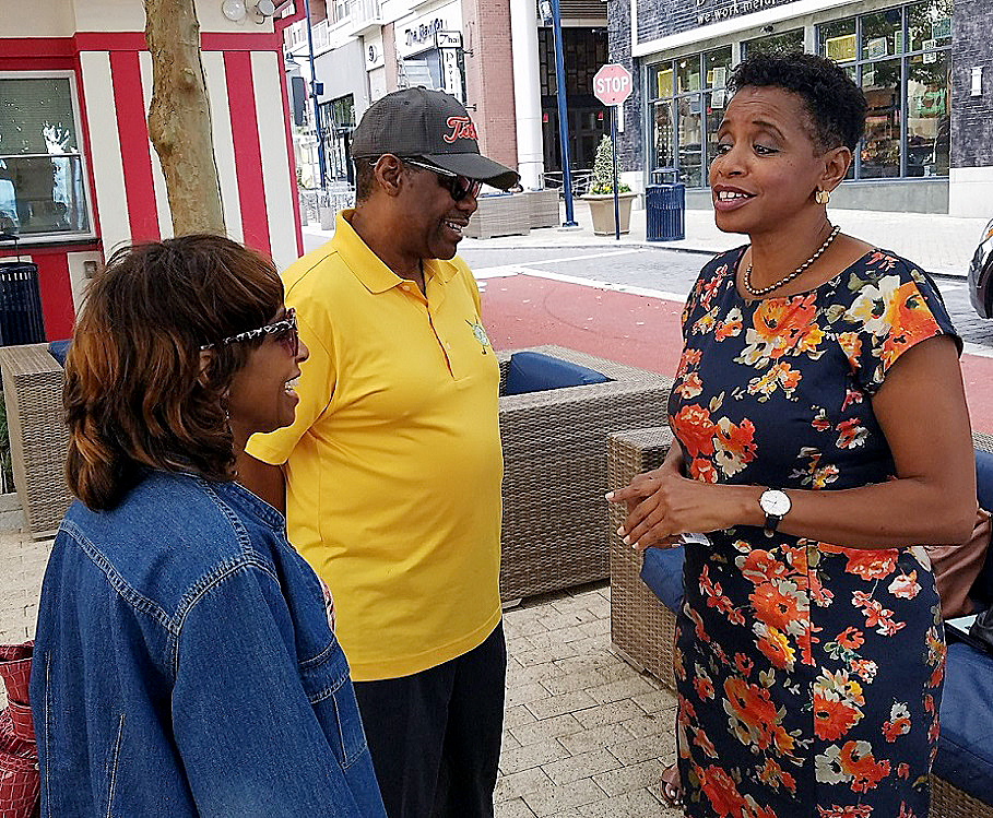 Photo of Donna Edwards Announces Run for Prince George's County Executive