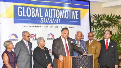Photo of Jesse Jackson Calls for 'Full-Scale' Boycott of BMW