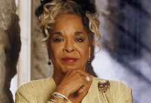 Photo of Della Reese, Famed Singer and Actress, Dies at 86