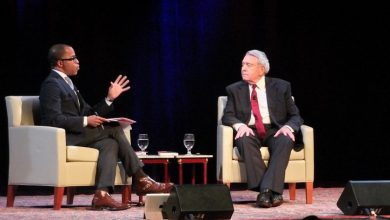Photo of Dan Rather Makes Pitch for Unity in U.S.
