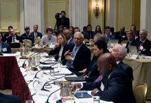 Photo of Knight Commission Tackles Issues in College Sports