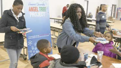 Photo of Howard U. Students Offer Holiday Cheer