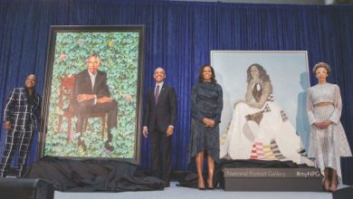 Photo of Obamas' Official Portraits Unveiled at National Portrait Gallery