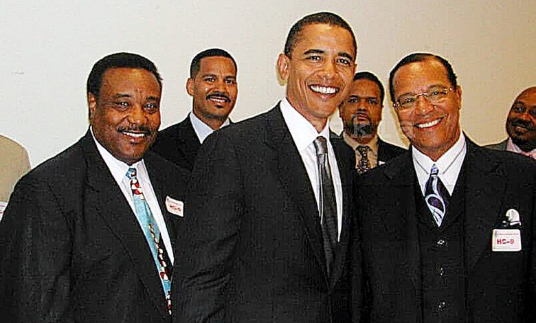 This 2005 photo of then-Illinois Sen. Barack Obama and Nation of Islam Minister Louis Farrakhan during a Congressional Black Caucus meeting at the U.S. Capitol would have likely affected the outcome of the 2008 presidential election had it surfaced at that time. (Photo by Askia Muhammad)