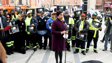 Photo of Bowser Talks Prosperity at Outset of Black History Month