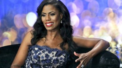 Photo of Omarosa Confides Concerns About Trump Administration