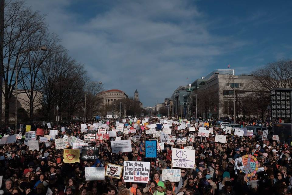 Photo of Hundreds of Thousands March to End Gun Violence