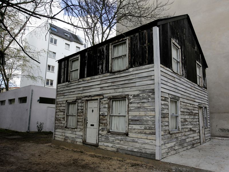Photo of Brown U. Nixes Display of Rosa Parks House Amid Contention