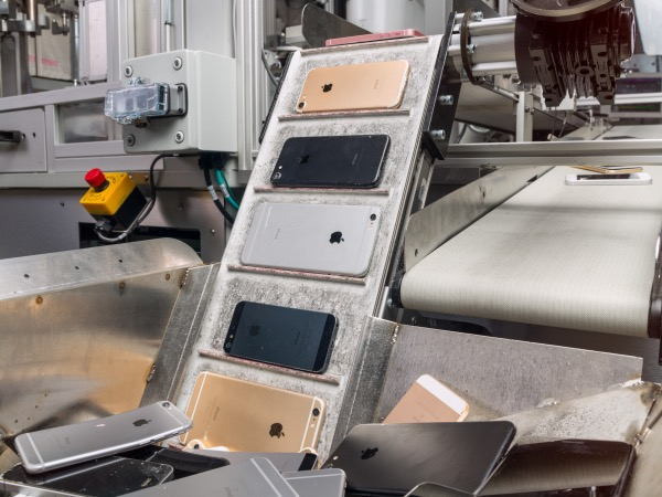 Daisy, Apple's iPhone disassembly robot, is pictured here. (Courtesy of Apple)