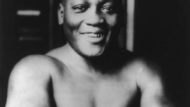 Photo of Trump Considers Posthumous Pardon for Boxer Jack Johnson