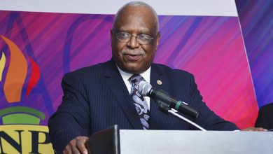 Photo of Black Press Honors James Farmer, 'Giant in the Automotive Industry'