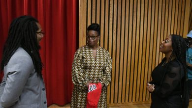 Photo of Jazz Great Dianne Reeves Coaches Vocal Students at Howard University