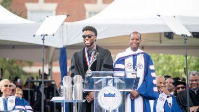 Photo of Howard U. Students Pay Tribute to Chadwick Boseman