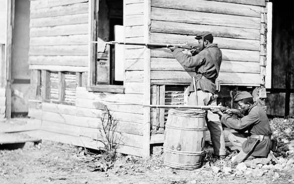 USCT soldiers at an abandoned farmhouse in Dutch Gap, Virginia, 1864 (Courtesy of loc.gov)