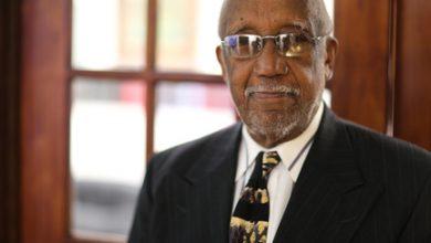 Photo of Ozro Wells, Former Bar Association President, Dies