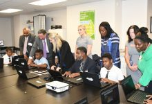 Photo of Comcast Brings Free Wi-Fi to Community Centers