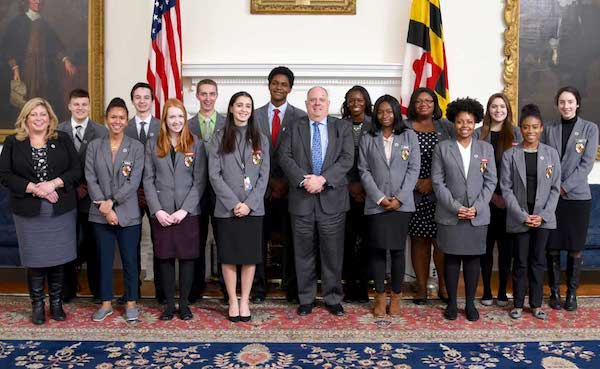 Maryland Gov. Larry Hogan and a previous group of student pages pose during state's General Assembly. (Courtesy of Joe Andrucik/Maryland GovPics via Flickr)