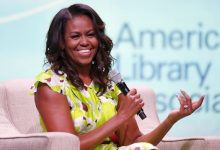 Photo of Michelle Obama Plans 10-City Tour for New Memoir