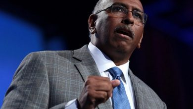 Photo of Ex-RNC Chair Michael Steele: Party 'Somewhat Irrelevant'