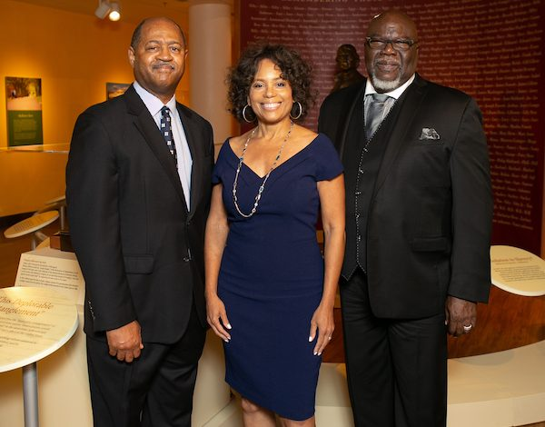 Michael Cottman, Gayle Jessup White, Monticello's community engagement officer and a Hemings family and Jefferson descendant, and Bishop T.D. Jakes (Photo by The Mamones)