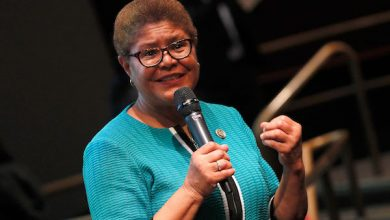 Photo of CBC Chair Karen Bass Now Seen as Favorite for Biden Running Mate