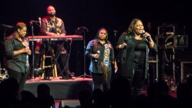 Tasha Cobbs Leonard performs at the Warner Theatre in D.C. on Nov. 15. (Shevry Lassiter/The Washington Informer)