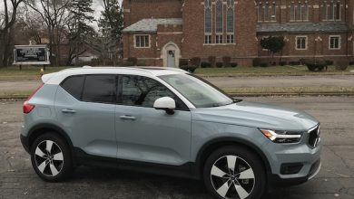 Photo of Volvo Can't Keep Up with 2019 Volvo XC40's Popularity